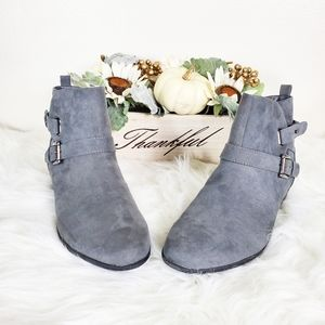 Italian Shoemakers Gray Ankle Boot Size 11